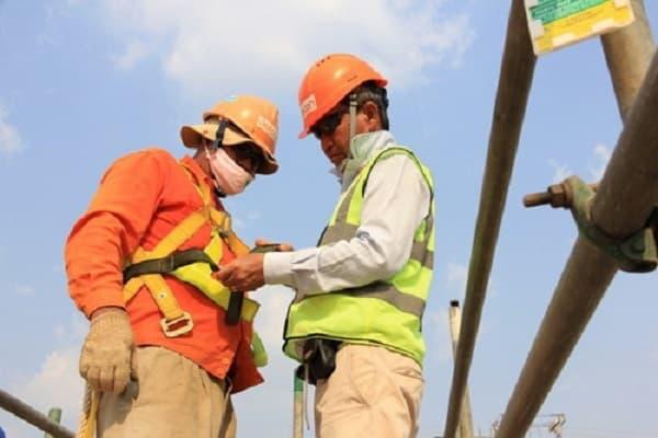 Trang bị đầy đủ các phương tiện bảo vệ cá nhân cho người lao động